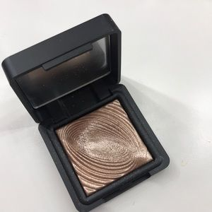 Kiko water eyeshadow in 200